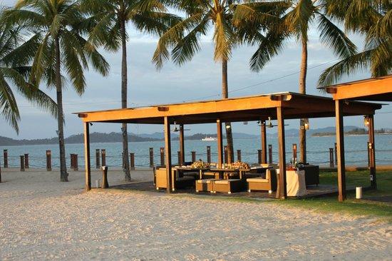 Shangri-La's Tanjung Aru Resort & Spa: Beach dining - very nice