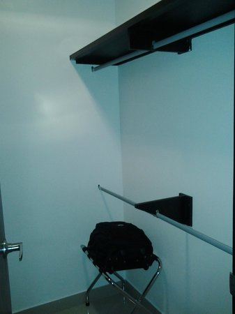 Atlantis Suites: Vestier/Closet