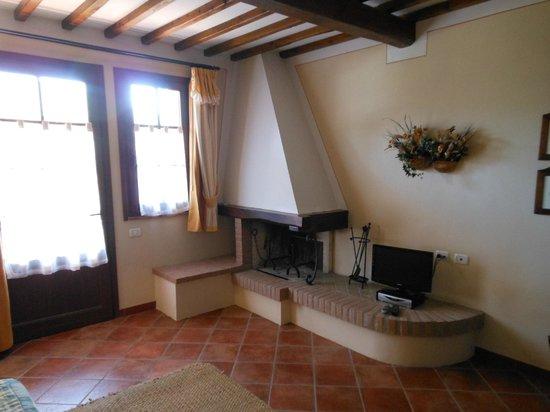 Casa Lari Relais : caminetto
