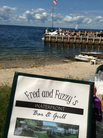 Fred & Fuzzy's Waterfront Bar & Grill: private pier, kids playing in the water, all good