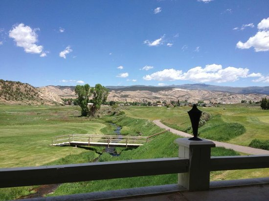 Creek Side Clubhouse & Grill: Beautiful Patio Dining in the Summer!