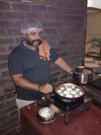 Carnatic Cafe: Paddu being made