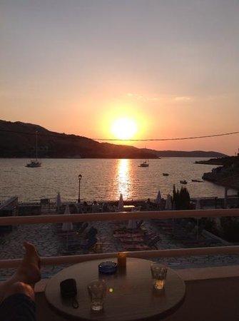 Theofilos Studios & Apartments: sunset
