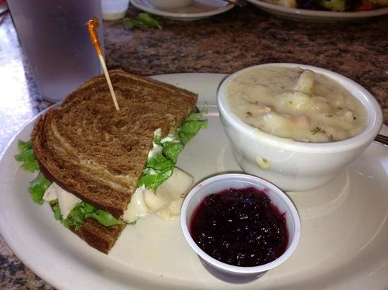 Cottage Cafe : Sandwich and soup combo was wonderful!