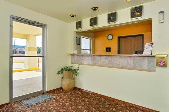 Americas Best Value Inn Tucumcari : Lobby