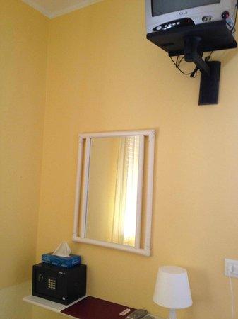 Hotel Tamanaco Lignano Sabbiadoro: camera bimbi