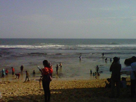 Gunung Kidul, Indonesia: suasana tepi pantai Indrayanti