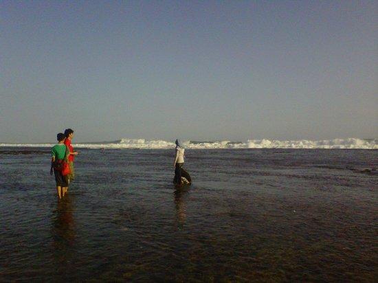 Gunung Kidul, Indonesia: panati ketika surut
