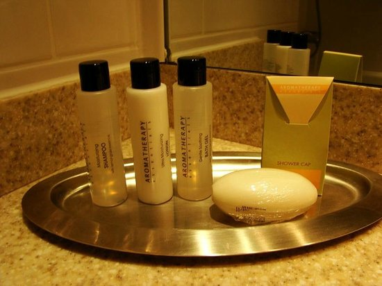 Swindon Marriott Hotel: Toiletries Day 2 (Plainer packaging)