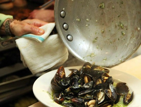 Blue Paddle Bistro: P.E.I. Mussels