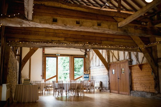 South Elmham Hall Bed & Breakfast: Inside the hall