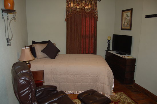 Patty's Place: Room Accommodations