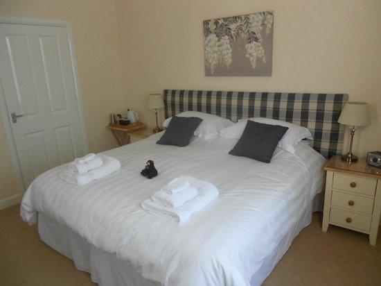 Bracken Lodge Bed & Breakfast: Very comfortable bed in room 1, Bracken Lodge