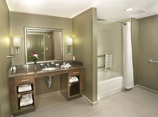 Homewood Suites by Hilton Newport Middletown: Bathroom