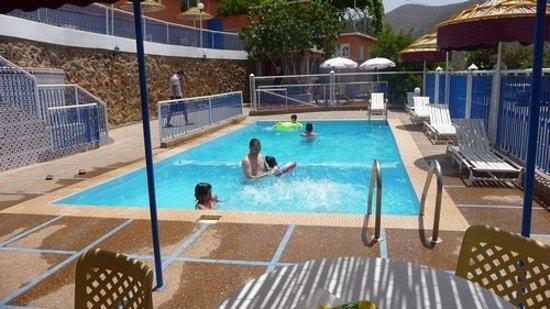 Auberge le Panoramic: piscine