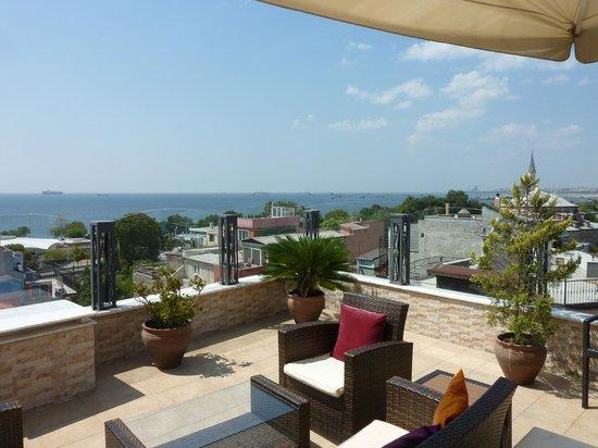 Hotel Amira Istanbul : Terraço
