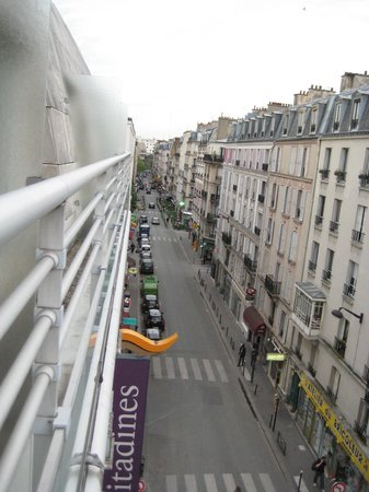 Citadines Didot Montparnasse: View of Rue Didot from the hotel room balcony.