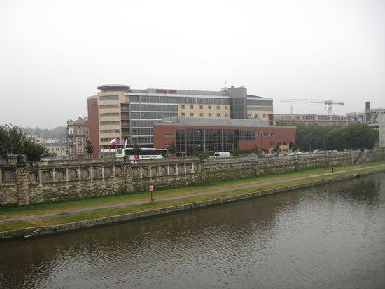 Qubus Hotel Krakow: Qubus Hotel by River Vistula