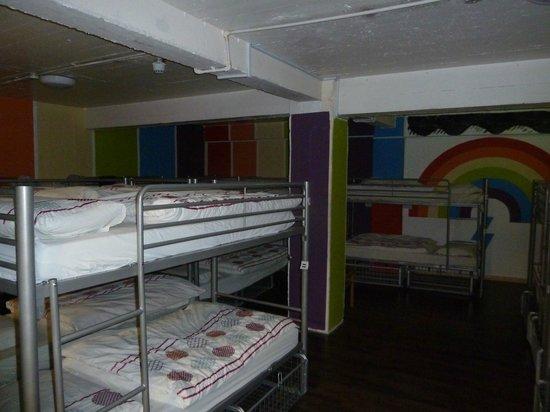 Abbey Court: vue d'une chambre communautaire (rainbow ici)