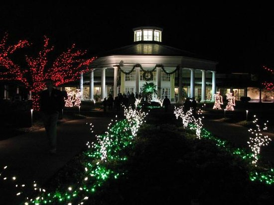 Daniel Stowe Botanical Garden: DSBG   Holiday Lights   Front Entrance