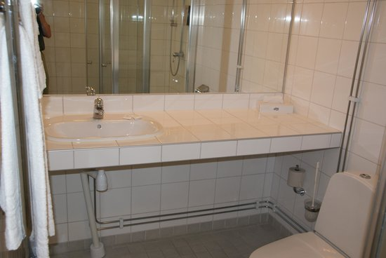 Hotel Tornet: Bathroom