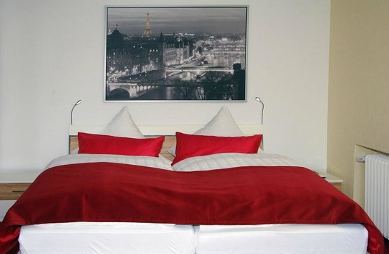 Haus am Rieth: red room