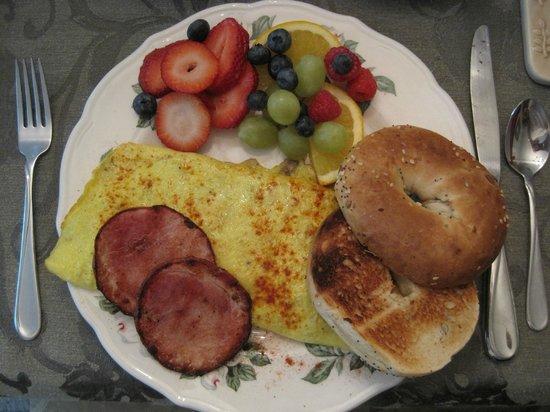 Mary's Meadow B&B: Breakfast