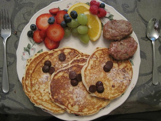Mary's Meadow Bed and Breakfast: Breakfast