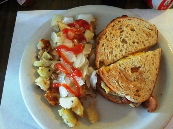 Hideout Restaurant: Bacon, Egg & Cheese Sandwich