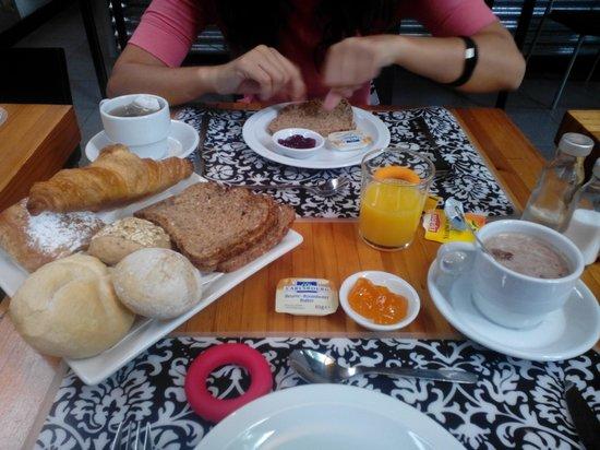 Marie-Rose Debruyne Bed and Breakfast: Breakfast