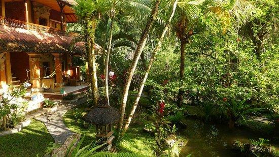 Gustis Garden Bungalows: Hotel view