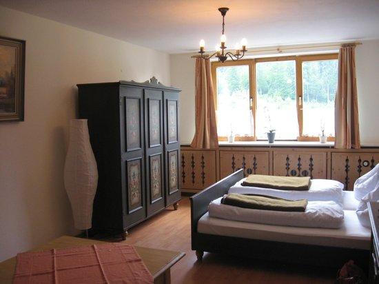 Berghof Sutten: chambre rez de chaussée