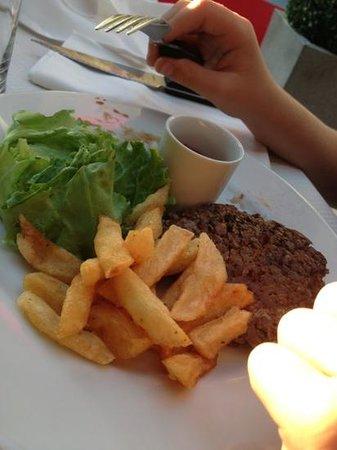 Le fils du boucher : plat menu enfant