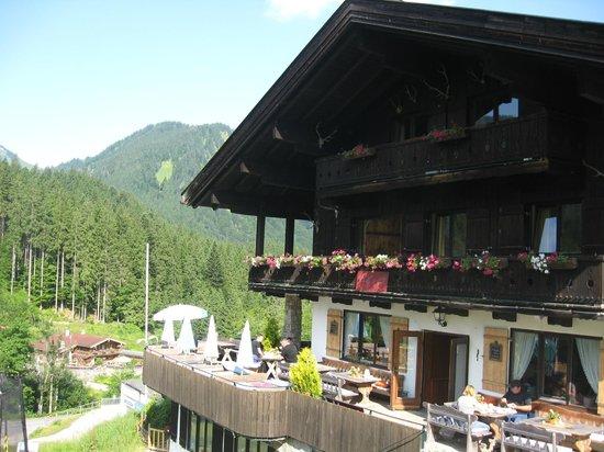 Berghof Sutten: l'hôtel : la terrasse
