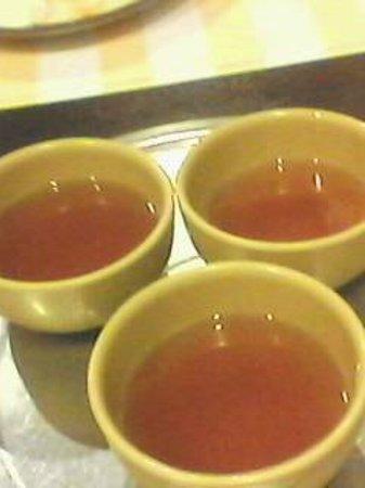 doomiok : complimentary cinnamon tea..yummy!