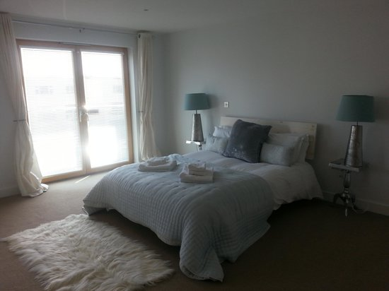 Natural Retreats Fistral Beach: The Rooms
