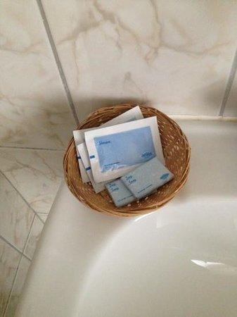 Hotel Riche: zeer karige shampoo / zeep