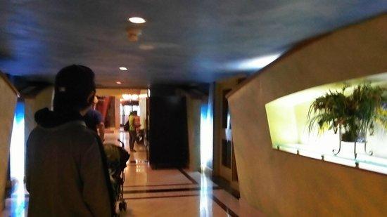 Holiday Inn Niagara Falls - By The Falls : Lobby