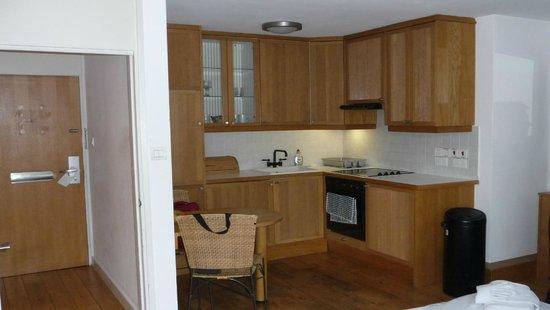 Presidential  Apartments: Cocina