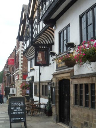 Ye Olde King's Head: lovely pub
