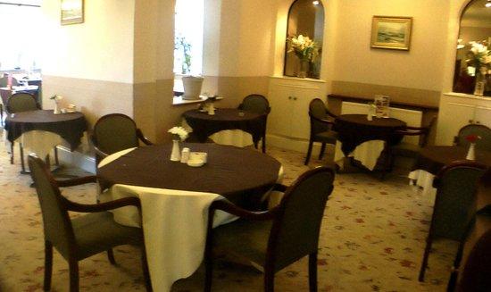 Lauriston Hotel: Breakfast/Dining area