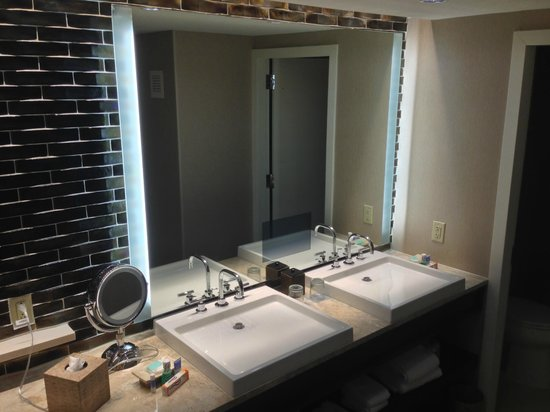 Hyatt Regency Greenwich: Bathroom