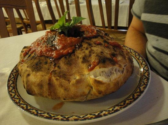 Il Capanno: Volcano Pizza