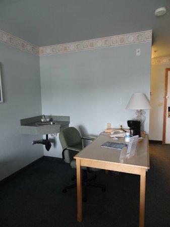 """La Quinta Inn & Suites Newport : """"special room"""""""