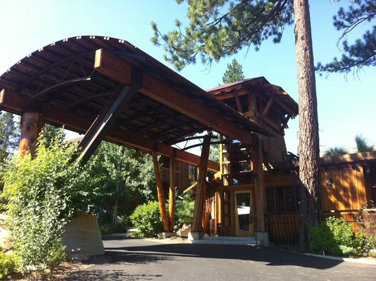 The Cedar House Sport Hotel: Cedar House