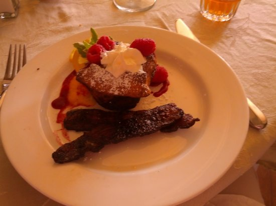 Cameo Heights Mansion Bed & Breakfast: Lemon curd French Toast!
