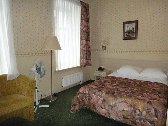 Ratonda Centrum Hotels: hab