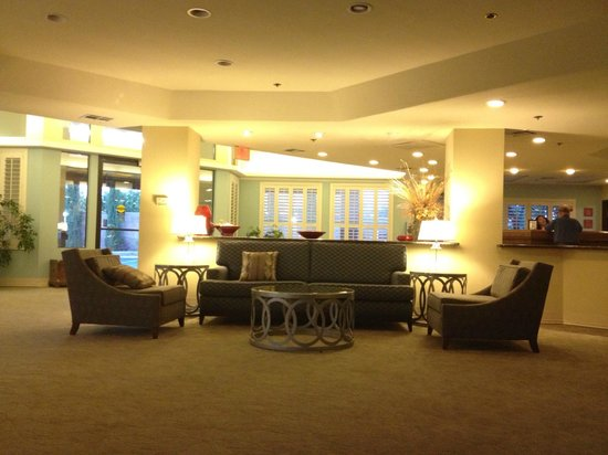 Governors Inn Hotel: Plenty of room in the lobby
