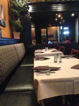 Tommy's Restaurant: inside