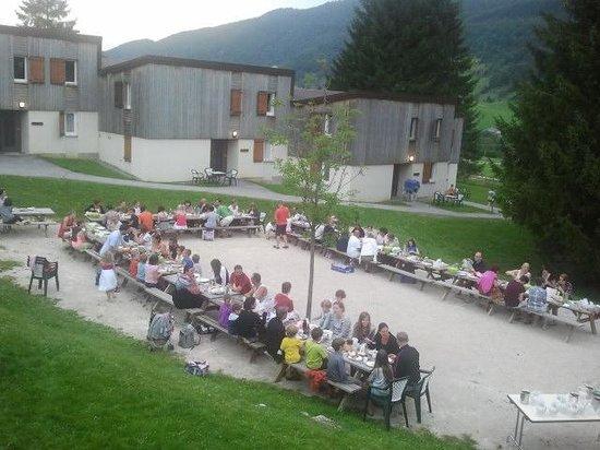 VVF Villages Lelex: Une soirée BBQ très conviviale cet été !